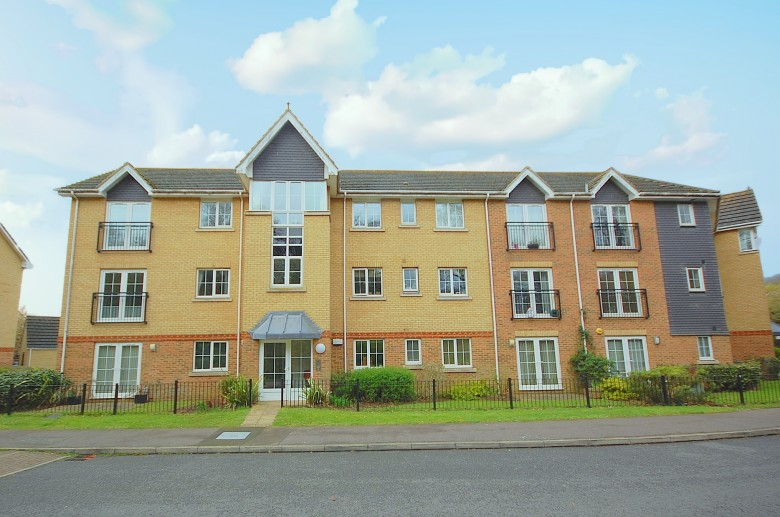View Full Details for Priestley Road, Stevenage - EAID:6996c7fdfa3459f6d6c99c1f08092f32, BID:1